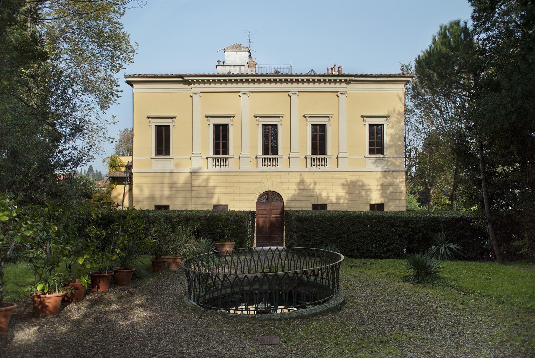 Past exhibitions 2013 art and exhibition hall of the for Villas romanas
